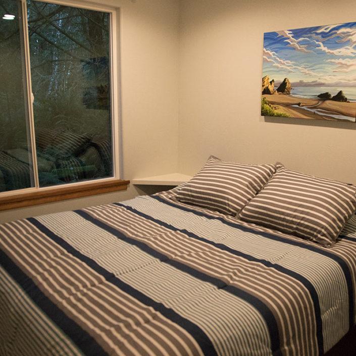 One Bedroom Rental Cabin Redwood Coast Quality Mattress Comfort